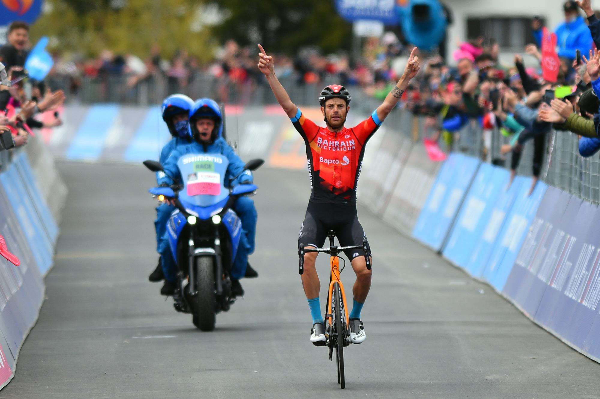 ダミアーノ・カルーゾがジロ・デ・イタリアのステージ20で初優勝し、gcで表彰台の地位を固めた